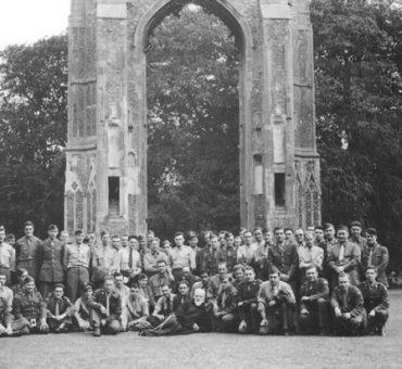 1945-05-17 USAAF Farewell Pilgrimage 2